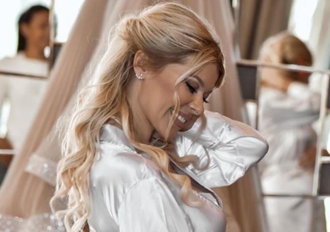 Штркот слета: Се породи српската пејачка, а бебенцето го доби ова име (фото)