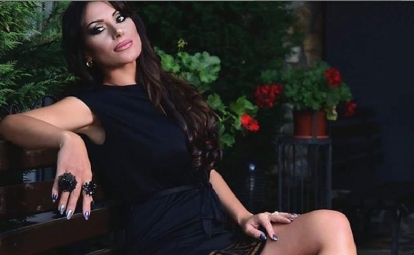 """""""Македонско девојче ечеше во Турција"""": Гавазова главна на сцена стегната во хеланки и со афро фризура (видео)"""