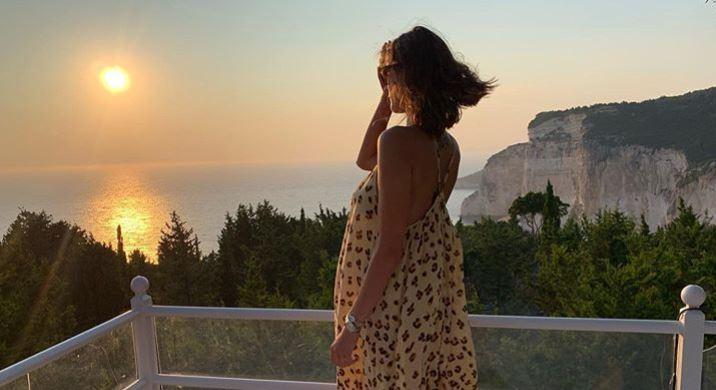 Катарина Ивановска ја објави првата фотографија од ќерката