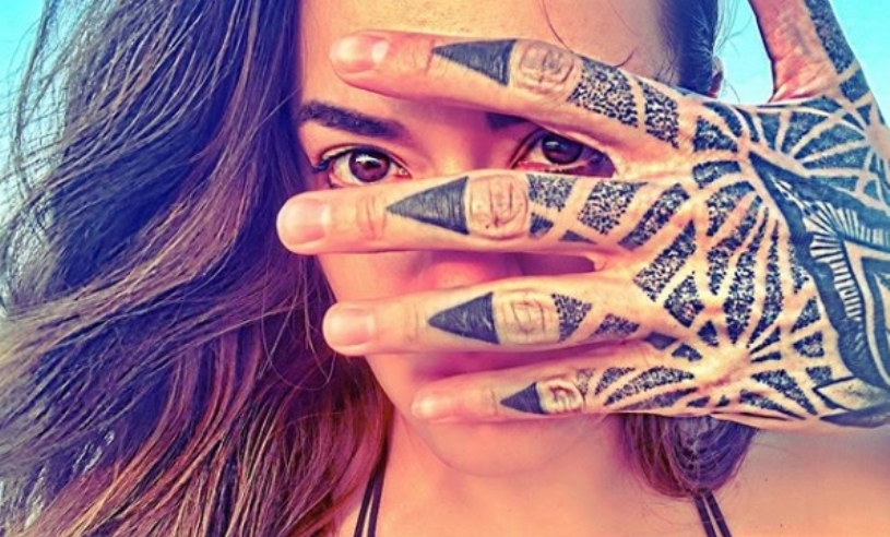 Набилдан и со тетоважи: Ова е новото момче на Елена Ристеска?! (фото)