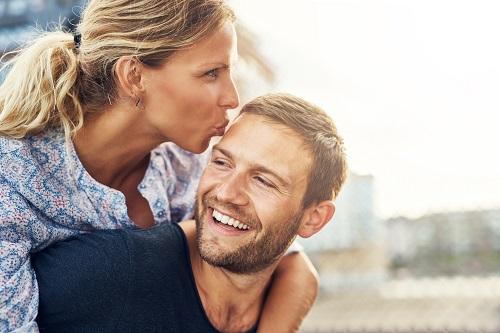 Како да заведете искусна жена?
