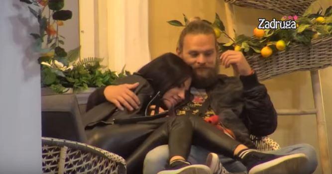 """Нова акција на Спејко во """"Задруга"""": Дарко и Тара """"се смуваа"""", па пред """"задругарите"""" ја обелоденија својата врска (видео)"""