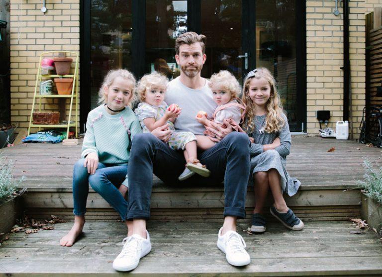 Татко на четири ќерки е вистинска Инстаграм сензација