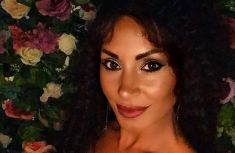 """""""Hallo, bitch…"""": Сузана Гавазова е голема мераклика за одзади… да се снима, за да покаже дека и одзади ја има (ВИДЕО)"""