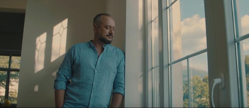 """Ѓоко Танески прави пресврт во кариерата со – """"Една љубов имам"""" (ВИДЕО)"""