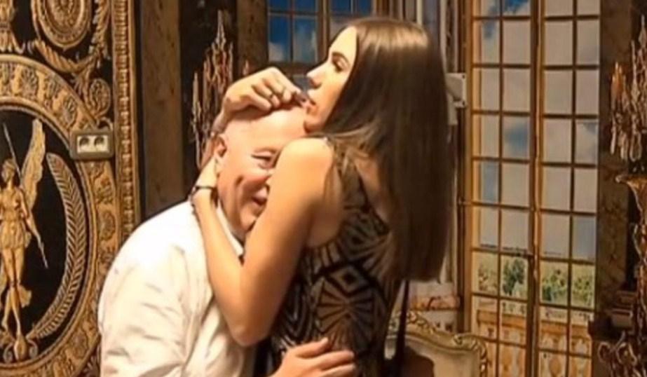 Милијана е ненаситна: Неверната сопруга заврши со љубовникот во машкиот тоалет, па му пружи незаборaвно задоволство!