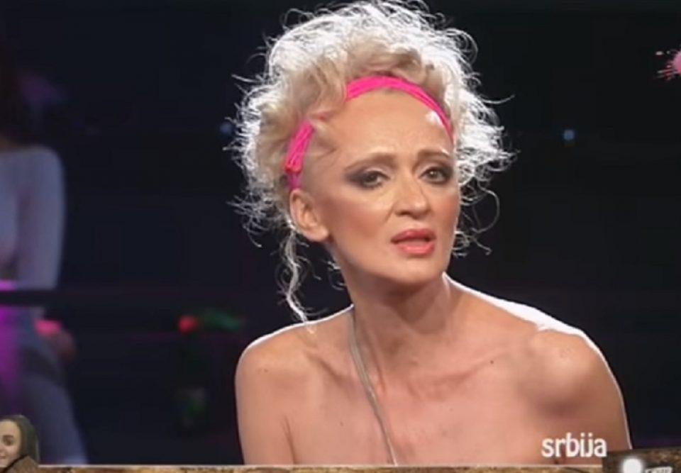 Беби Дол на работ на сиромаштија: Пејачката побегнала од станот поради неплатена кирија