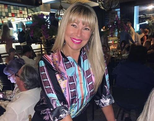 Сузана, сопругата на Саша Поповиќ го прослави 50-от роденден: Пејачката се пофали со тортата од семејството (фото)