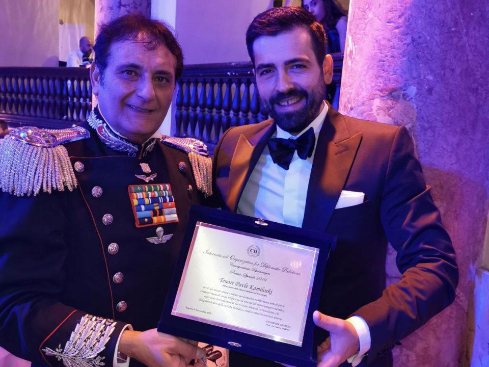 """Извонредниот Павле Камилоски се здоби со признанието """"Амбасадор на италијанската музика за 2019 година"""""""