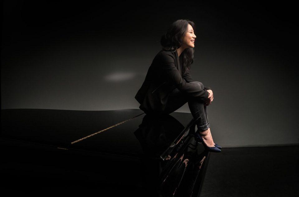 """Кинеската пијанистака Зи Зи за """"Среќен роденден"""" на """"Македонската филхармонија"""""""