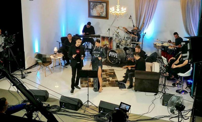 Музичарите пред себе имаа празник за очи: Спенџарска и Гавазова на иста сцена блескаа од сексапил (фото)