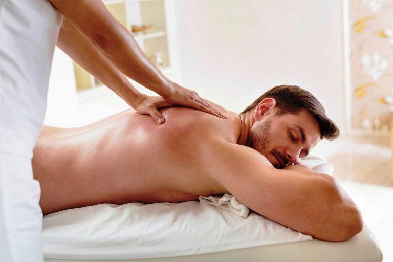 Како да направите еротска масажа на партнерот?