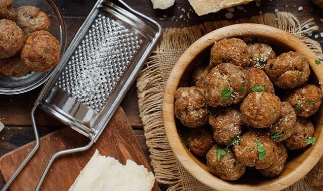Едноставен и брз рецепт за ќофтиња во рерна