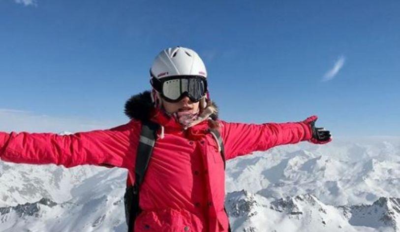 """Адреналинот пуштен на најјако: Марија од """"Ај кју"""" ужива во зимски авантури (фото)"""
