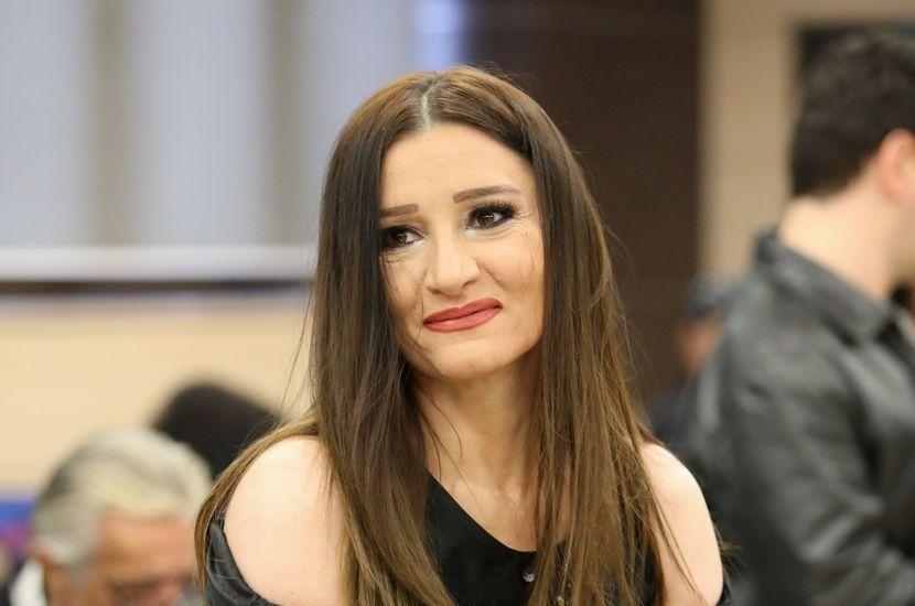 И колегите не би ја препознале: Мира Шкориќ направи драстична промена (фото)