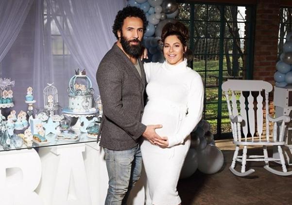 Во првата бременост беше многу исплашена, а сега Сека Алексиќ одлучи во која земја ќе се породи со синчето Исак