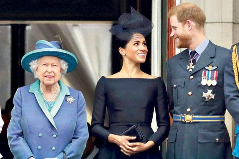 По наредбата на кралицата Елизабета, Меган Маркл и принцот Хари се враќаат во Лондон