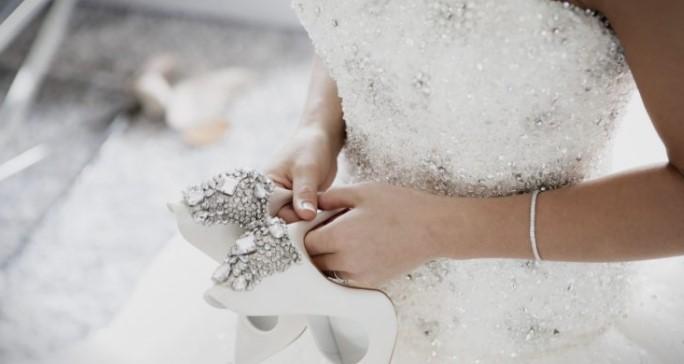 Бизарно барање од невестата: Сите кои биле поканети требало да го направат ова, ниту роднините не сакале да присуствуваат!