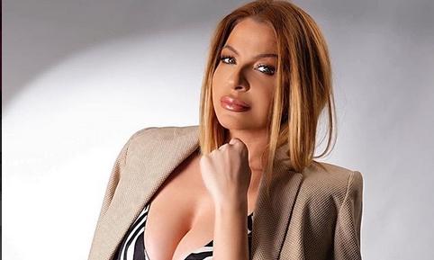 """Елена Велевска призна дека се разведува, па тргна да се разголува: Фолкерката потсети колку е """"жешка""""! (ФОТО)"""