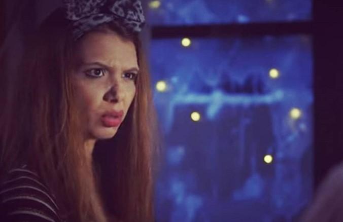 """На Исаура и """"забранија"""" да лета за Германија: Актерката Емра Куртишова вратена од аеродромот во Скопје (ВИДЕО)"""