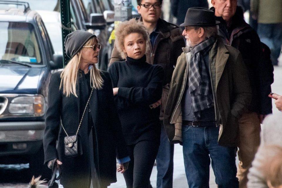 Ќерката на Стивен Спилберг почна да снима филмови за возрасни, а тој има јасен став за нејзината одлука