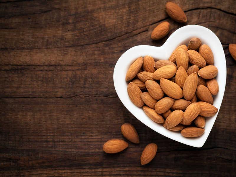 Зошто треба да консумирате бадеми?