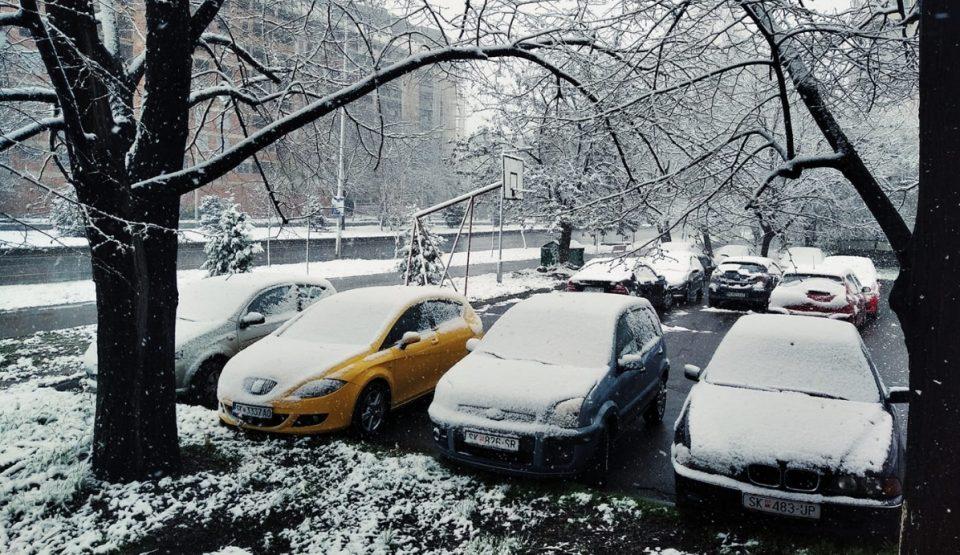 Време: Снег и во следните два дена, а од среда дожд до крај на неделава