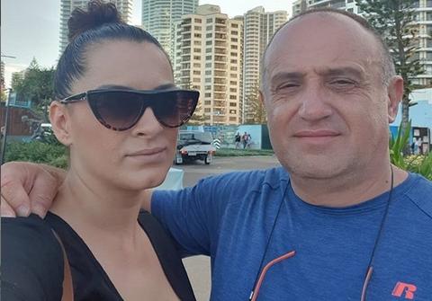 """Џими Мицевски лидерот на групата """"Молика"""" и сопруг на пејачката Анета Мицевска осуден на 2 години и 6 месеци затвор (ФОТО)"""