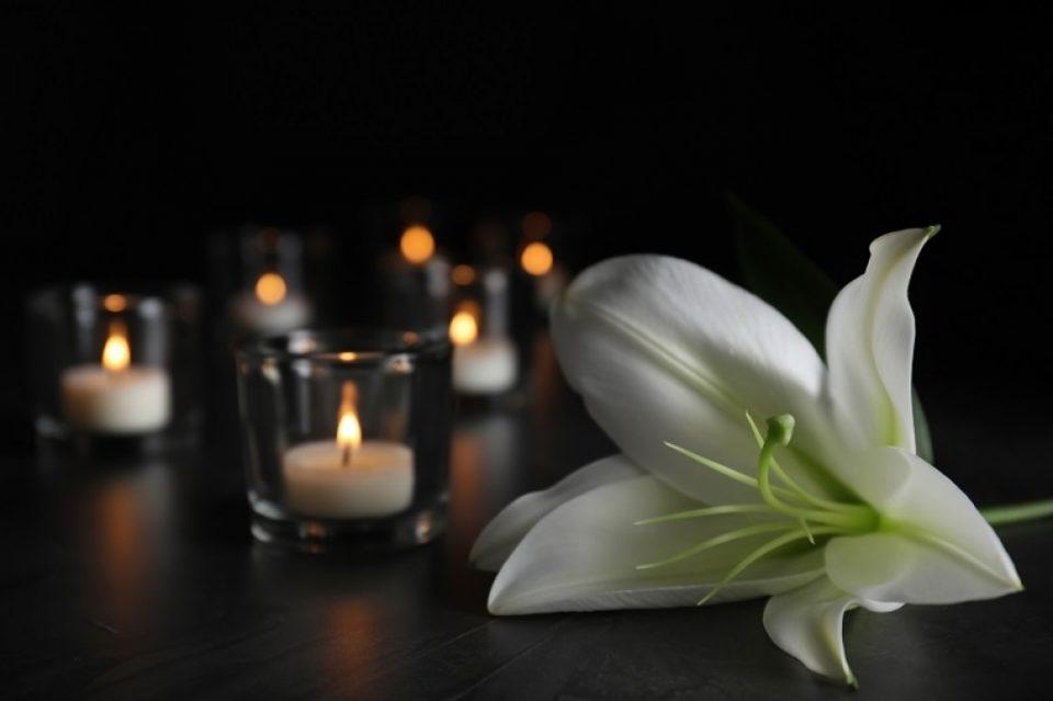 Почина познатиот ТВ готвач како последица на коронавирус