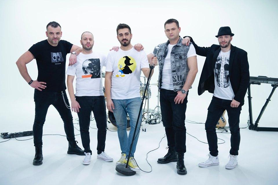 """Конечно добра музика во време на пандемија: Момците од """"Feedback"""" велат – """"Далеку од тебе"""" (видео)"""