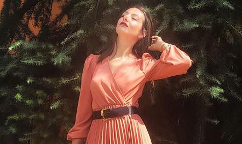 Милена Антовкска се потсети на летото, извади фотографија во бикини, а во прв план се нејзините гради (фото)