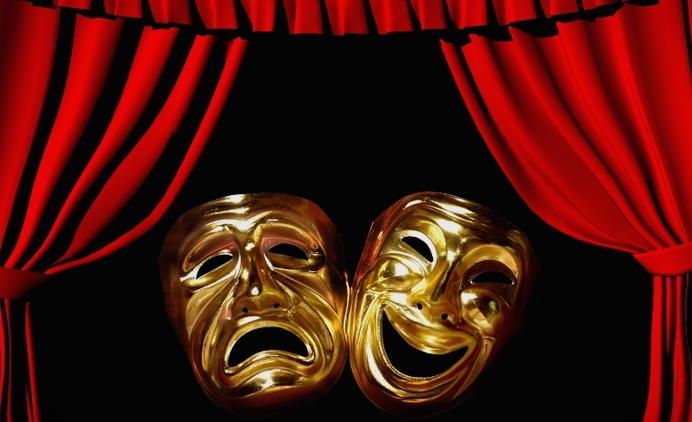 """""""Театар Комедија"""" овој петок со онлајн настап на пет актери на сцената во дворот на театарот"""