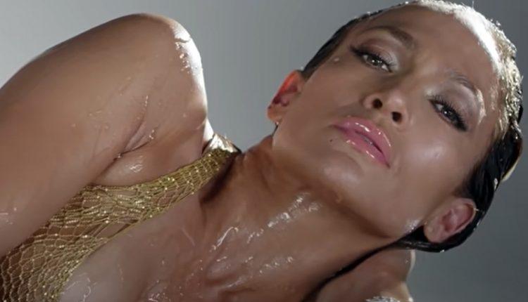 Џеј Ло мокра до гола кожа, се' на неа се проѕира (ВИДЕО)