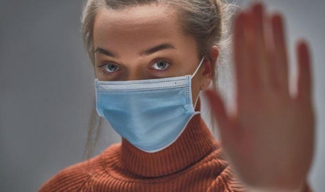 Ново истражување конечно ја реши дилемата: Дали хируршките маски штитат од коронавирус?