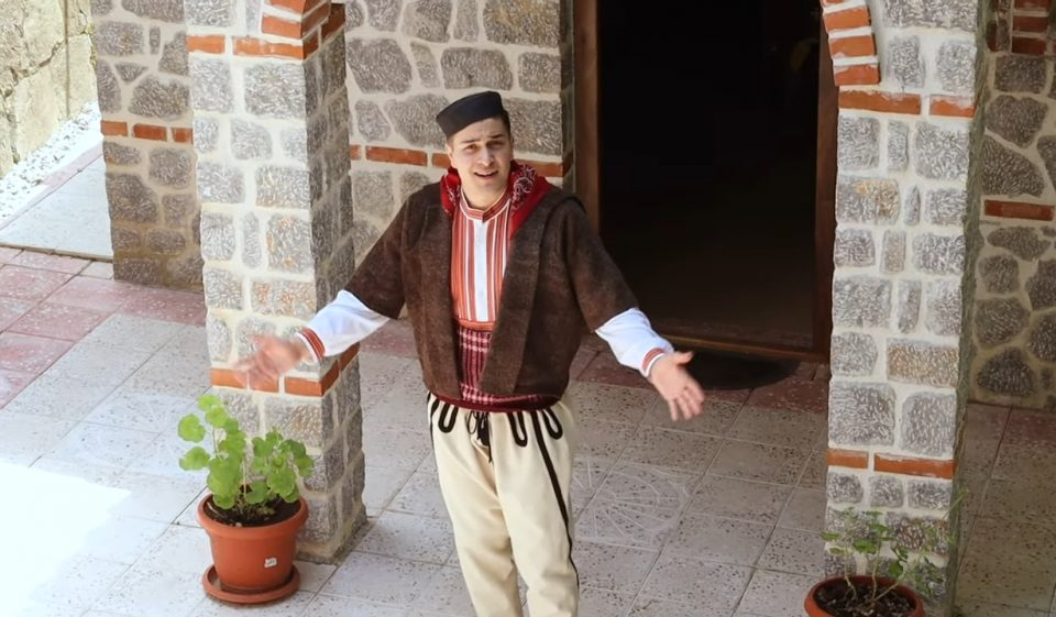 """Мирослав Мирчески ја визуелизираше со етно-спот песната од Пиринскиот дел на Македонија –  """"Сегде си одел синко"""" (ВИДЕО)"""