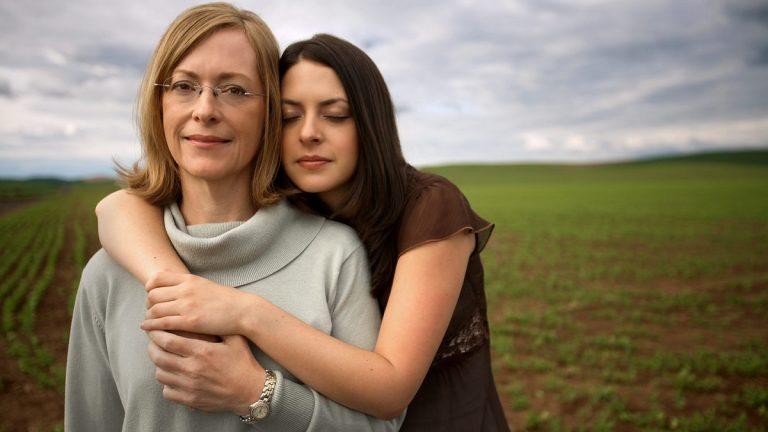 Зошто е подобро да ја послушате вашата мајка ако не ѝ се допаѓа вашето момче?