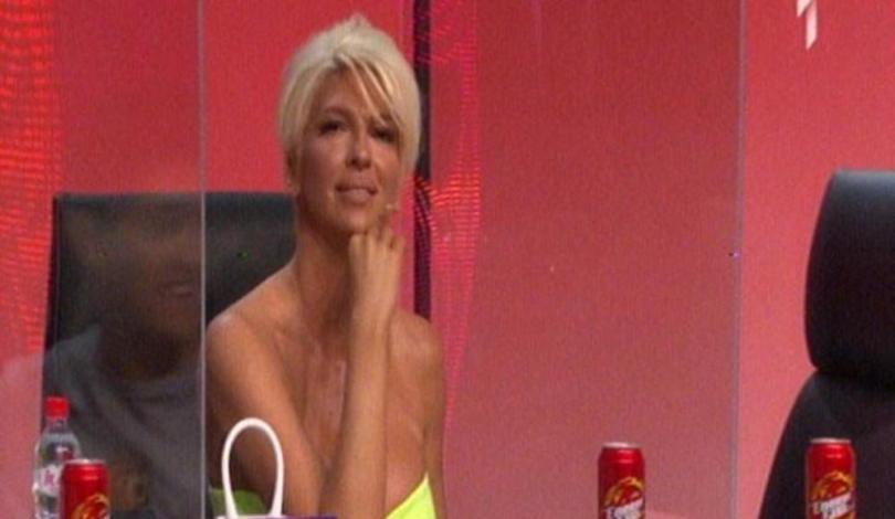 "Јелена Карлеуша повторно понижи учесник од ""Ѕвездите на Гранд"": ""Изгледа како Мистер Бин"" (фото)"