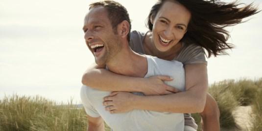 Пет работи кои мудра жена никогаш не ги бара од мажот