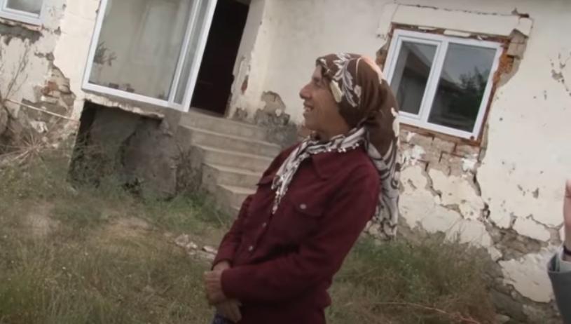 """Атиџе ги отвори вратите од новиот дом: Еве како сега живее хероината од """"Медена земја"""" (видео)"""