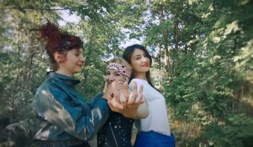 """Деби албумот на """"The Chicks"""" надополнет со """"Бакнеж"""" (видео)"""