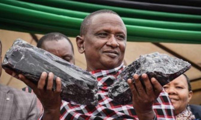 Рудар стана милионер: Овој татко на 30 деца најде драгоцен камен кој ќе му го промени животот (ФОТО)