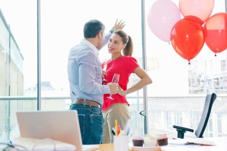 Ниту сосетката, ниту колешката: Со кого најчесто мажите изневеруваат?