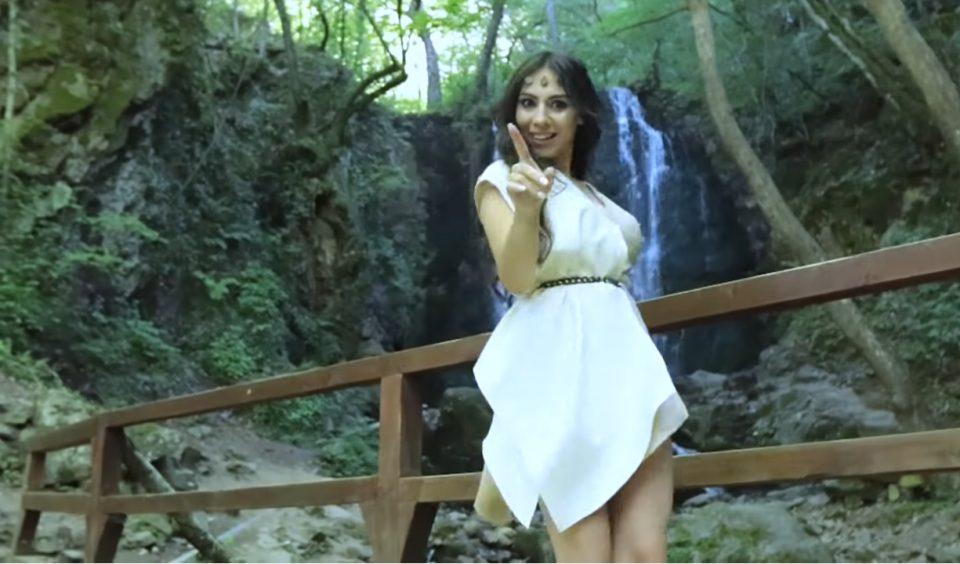 """Познатато """"Колешино"""" во песна препеана од Стојне Николова и свој видеозапис (ВИДЕО)"""