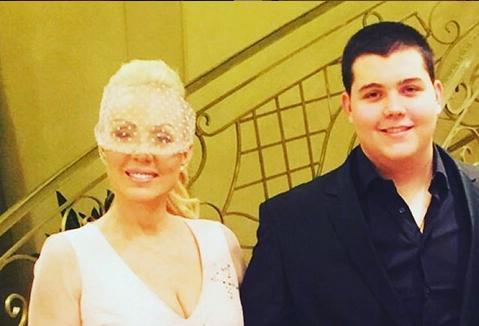 Брена подготвува свадба: Балканската фолк дива ќе го жени синот! (ФОТО)