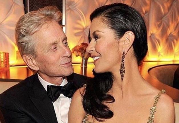 Кетрин Зета Џонс и Мајкл Даглас се разведуваат, а причината е онаа на која никој не помислуваше по 20 години брак?!