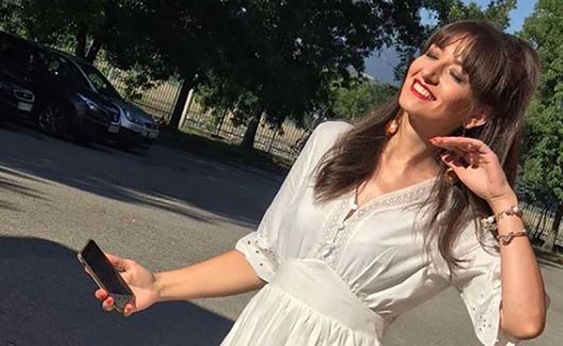 Милена Антовска заедно со ќеркичката Лана Марија приредија изненадување за сопругот на водителката – еве по кој повод
