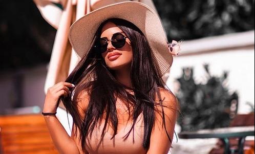 И нашите се згодни, ама најпознатата српска инфлуенсерка е секс бомба: Штом ја видиш Андреа Коко веднаш ти запаѓа за око! (ФОТО)