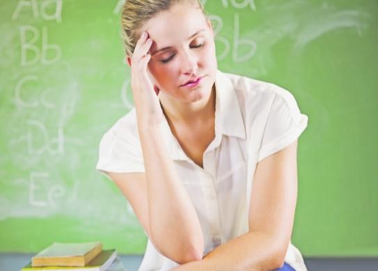 Како да ја ублажите главоболката?Наместо да земате лекови, подобро да ги избегнувате овие намирници!