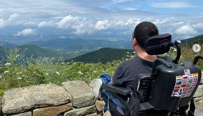 Првиот патувач во инвалидска количка кој ги посети сите 7 континенти