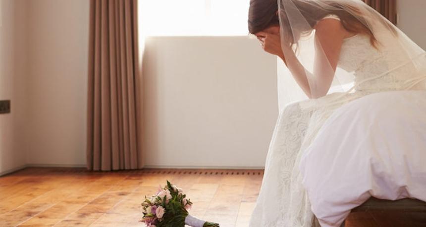 Невестата избега од сопствената свадба, откако го слушна разговорот меѓу младоженецот и нејзиниот татко